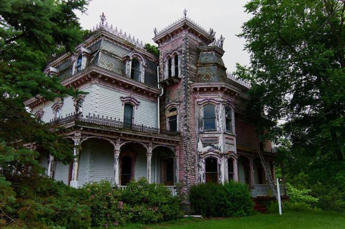 Abandoned Old Victorian House - New York, USA