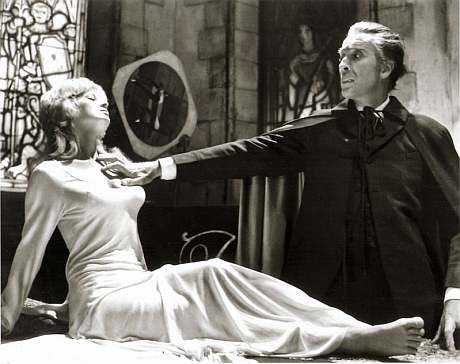 christopher-lee-dracula-cape1