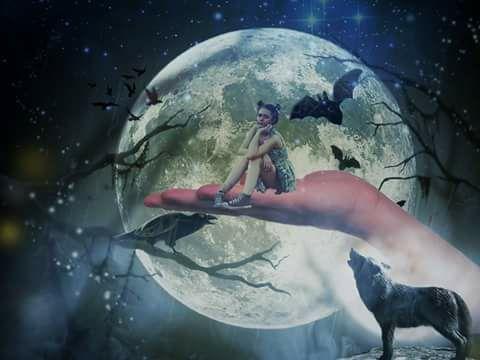 niña lobo cuervo murcielago